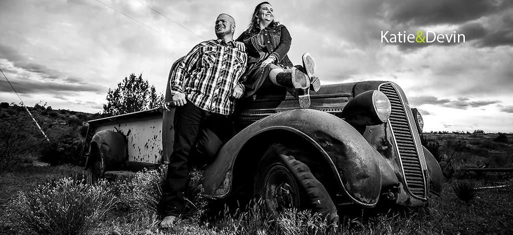 Katie & Devin – Cordes Ranch engagement